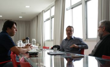 Equipe do SESCONMG e ContaMobi alinham prioridades para o desenvolvimento da parceria